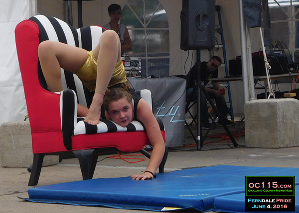 20160611_ferndale_pride_contortion