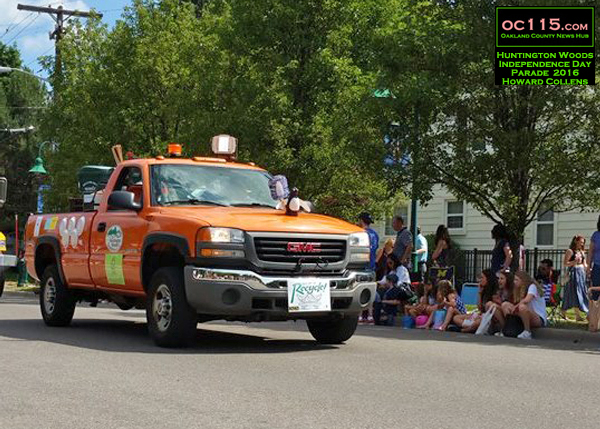 20160704_huntington woods independence day parade_dpw truck