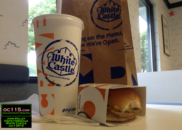 20160727_White Castle Celebrates 95 Years as Family-Owned Business with Ferndale Visit02 sliders