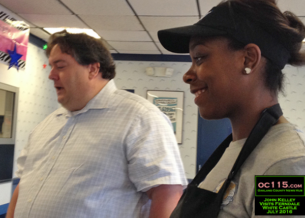 20160727_White Castle Celebrates 95 Years as Family-Owned Business with Ferndale Visit03