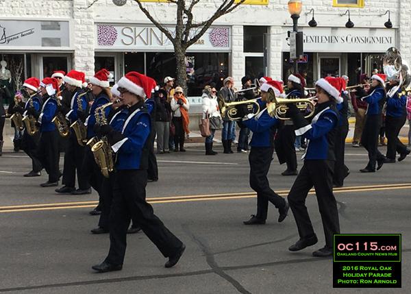 20161120_royal-oak-parade_017-royal-oak-band